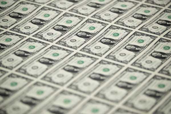 Crisis Reminds Us That Nothing BeatsDollars: Shawn Donnan
