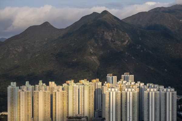 Hong Kong Landlord Stocks Trade Like It's 2009 All Over Again
