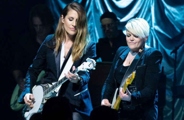 Dixie Chicks Are History – Call Country Trio The Chicks Now