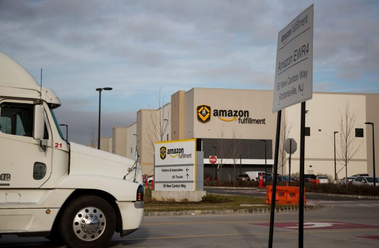 Amazon Delivery Drivers Say They Fear Becoming Target of Looters