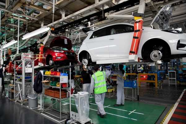 Renault Rattled by Threat From Chinese Electric Cars Imports