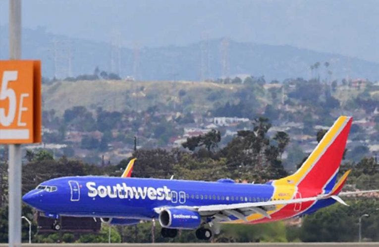 Southwest Airlines likely to cut jobs unless bookings 'triple'