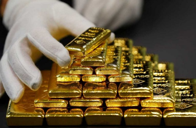 Gold surges to record close as U.S.-China tensions escalate and coronavirus concerns rise
