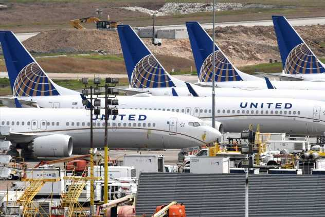 Avoid airline stocks, trader says ahead of United Airlines' earnings report