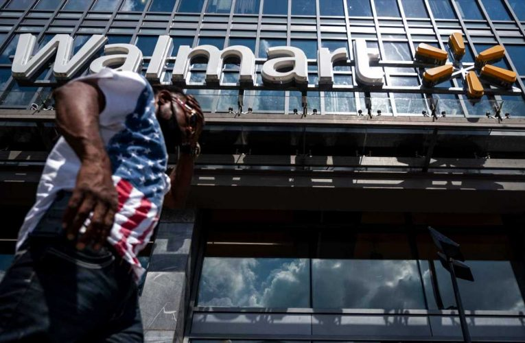 Walmart cuts corporate roles as it merges online, store businesses