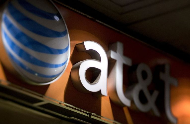AT&T Says 338,000 Mobile Users Stopped Paying Due to Covid