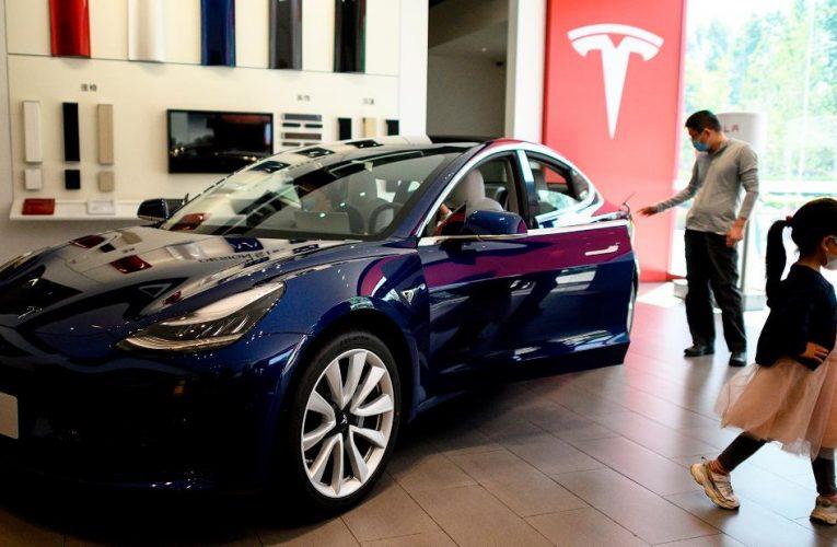 Watch the Tesla Cybertruck's unbreakable windows break