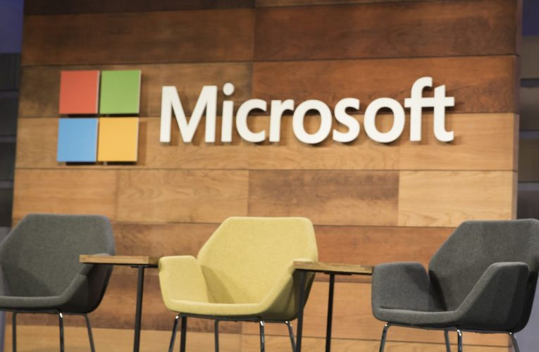 Microsoft Stock Fails to Hold Monthly Value Level After Earnings Beat