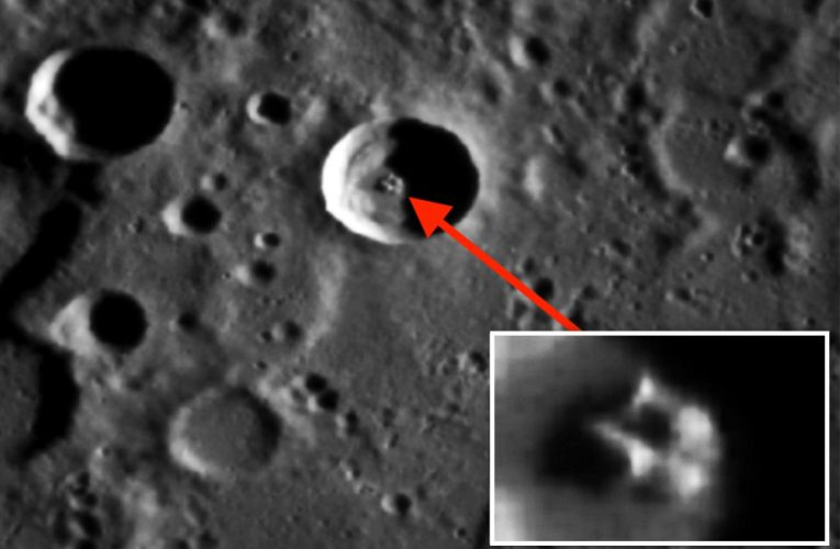 UFO hunters say they've discovered a mile-wide 'ancient spaceship' that's landed on Mercury