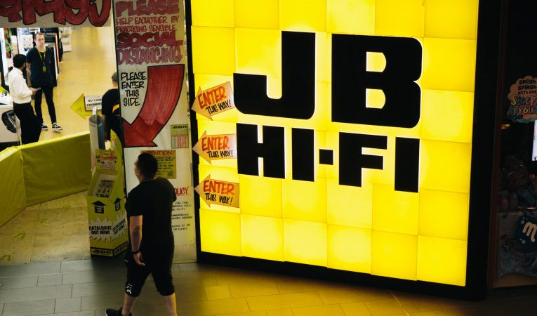 JB Hi-Fi reports record year, dividend jumps