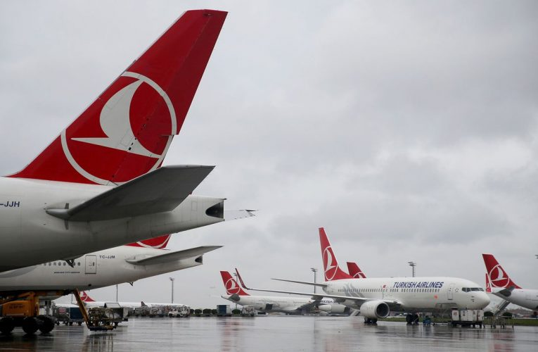 Turkey Tells Airlines to Consider Firing Expats First Amid Slump