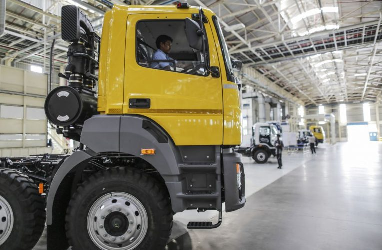 Daimler Says India Truck Demand to Take Three Years to Return