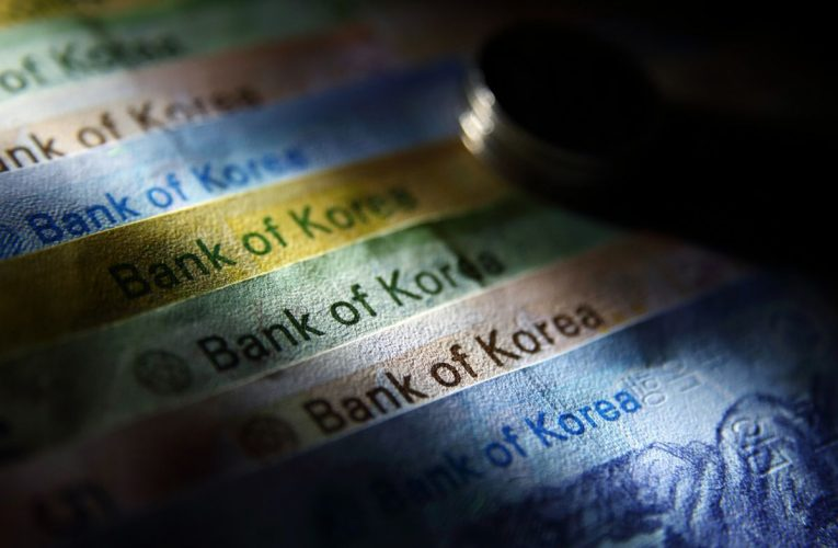 South Korean Stocks, Won Spooked by Fears of Potential Lockdown