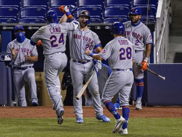 Mets Cleared to Resume Season With Tuesday Doubleheader