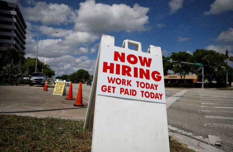 Private payrolls grow by 428,000 but miss expectations, ADP report says