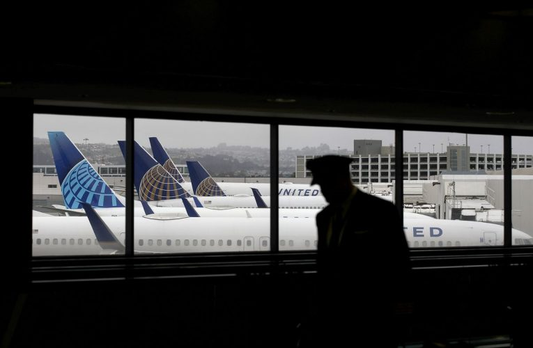 United to Boost October Flying Slightly on Leisure-Spot Shift