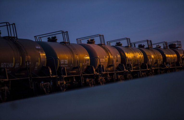 Alberta Eyes Oil Export Route as Trump Approves Alaska Rail Link