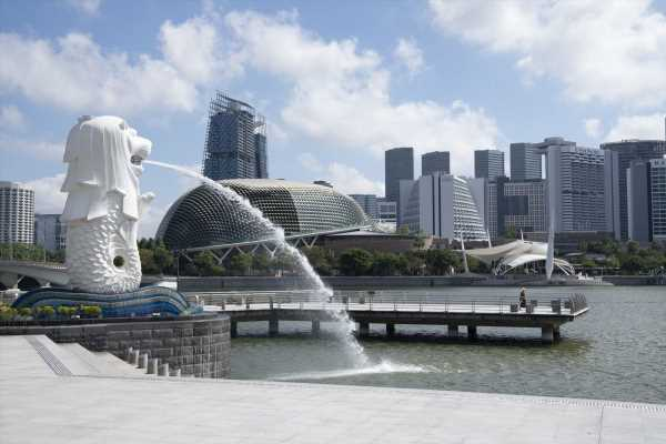 Singapore Firms Get $733 Million Incentive to Hire More Locals