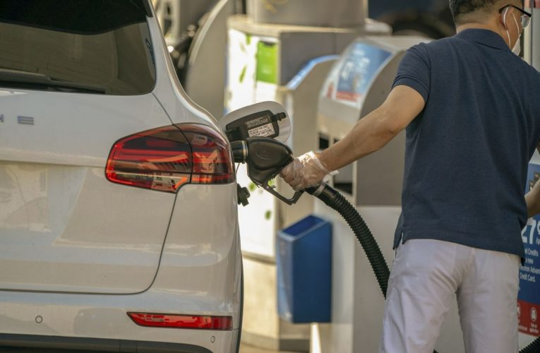 Labor Day Savings for Drivers Casts Pall Over Oil's Recovery