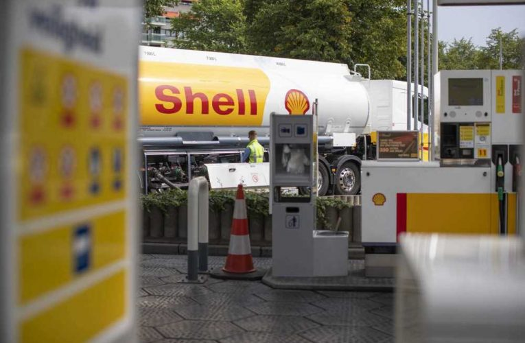 Oil major Shell increases dividend as third-quarter earnings beat forecasts