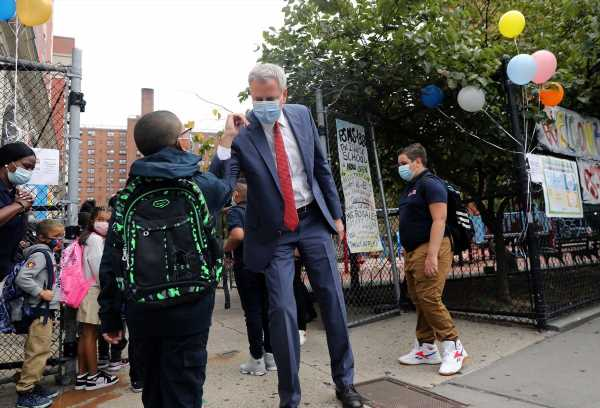 NYC Mayor Reverses Course in Push to Close Schools, Businesses