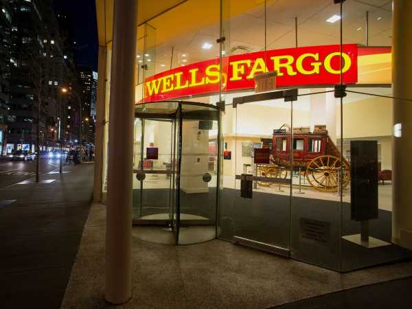 Wells Fargo Cuts More Than 700 Jobs in Commercial Banking
