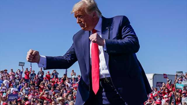 Insiders say Trump's campaign needs tighter message (and more cash) to win
