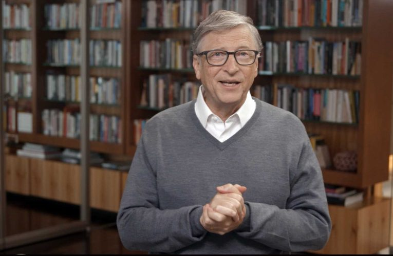 4 books Bill Gates recommends reading right now