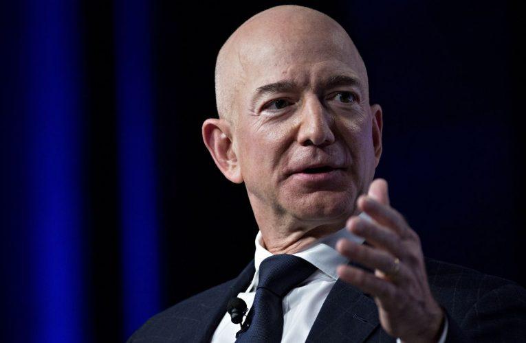 Billionaire Bezos Backs Start-Up in Maiden Africa Investment
