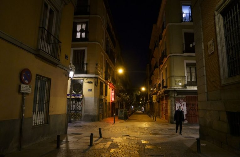 Covid Vaccine Is 'Light at End of Tunnel,' Spain's Calvino Says
