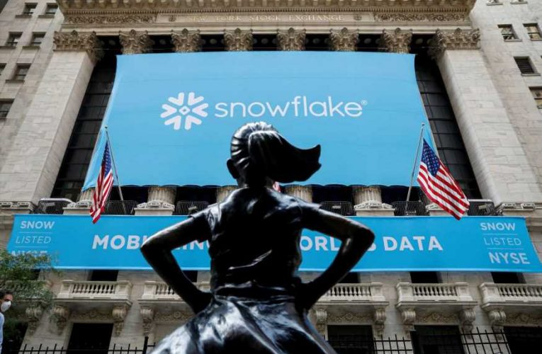 Snowflake, Peloton and other IPO stocks are struggling this week. How to trade the weakness