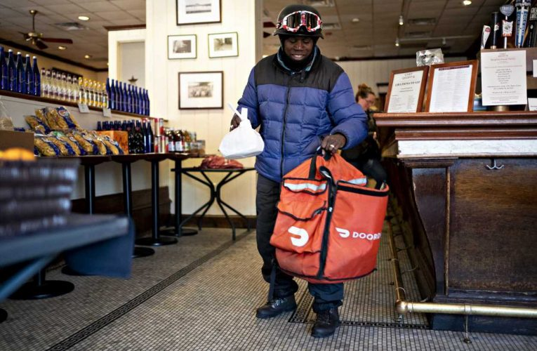 DoorDash sells shares at $102 in IPO, pricing above range