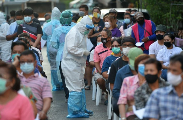 Baht's Rally Stalls as Thailand Battles Virus Pandemic Fallout