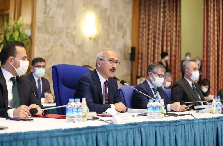 Turkey's Elvan Pledges Accountability to Woo Foreign Investors