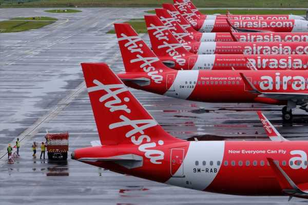 Airbus Warns of $5 Billion in Lost Orders on AirAsia X Debt Plan