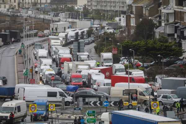 U.K. Border Reopens, Trucks Move After French Blockade Lifts