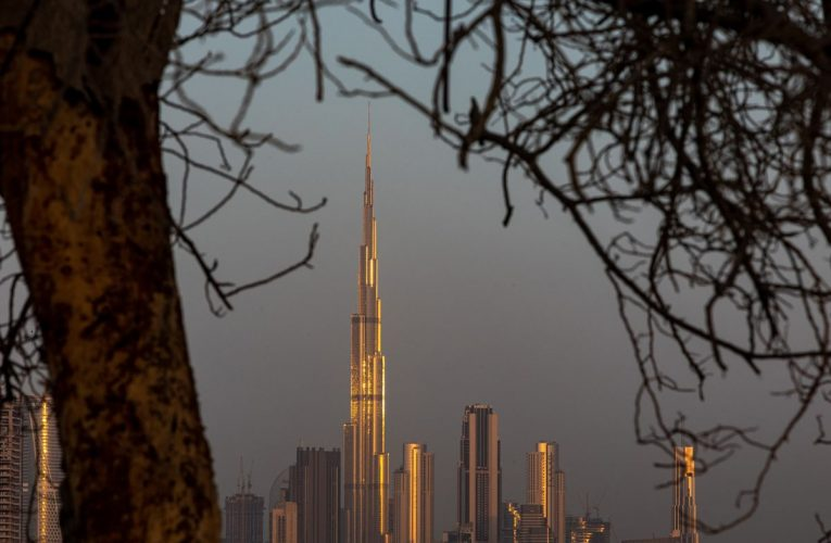 Dubai Sees Economy Shrinking 6.2% This Year Before 2021 Growth