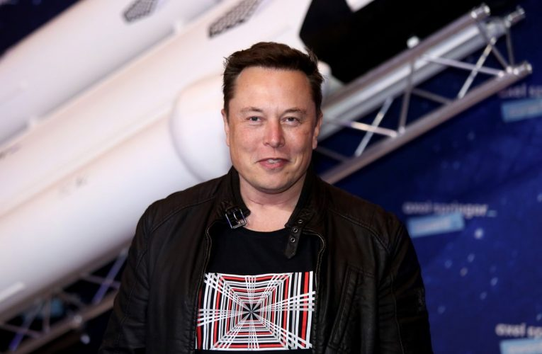 Elon Musk Moves Foundation to Texas, Fanning Relocation Speculation