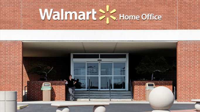 Walmart to Go Driverless in Arkansas Test of 'Middle Mile' Delivery