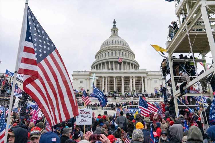 Oregon GOP Embraces Capitol Riot 'False Flag' Conspiracy Theory