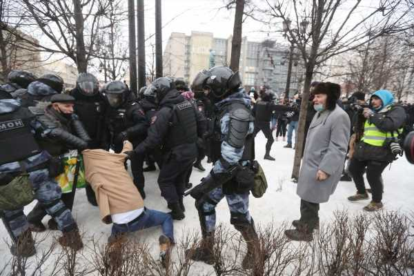 Russia Seeks to Stamp Out Navalny Protests as New Unrest Looms