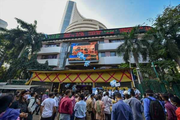 Retail investors, not FIIs, power equity markets: Report
