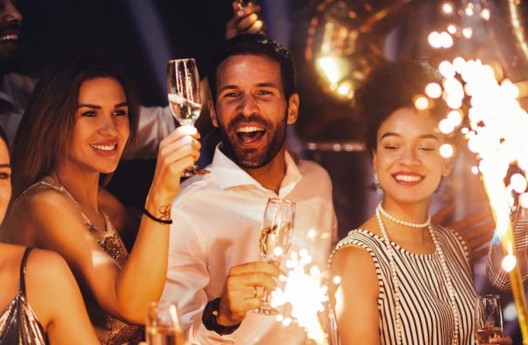 A psychotherapist says there are 3 common reasons so many people's New Year's resolutions end in failure