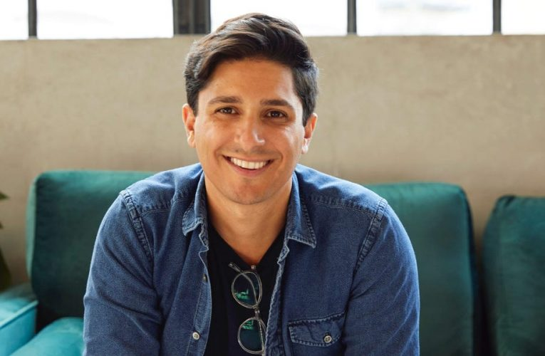 $1.6 billion health startup Hims and Hers just went public 3 years after launching. We got an inside look at the founder's journey including why he chose a SPAC and the challenges he faced.