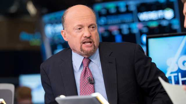 CNBC's Jim Cramer warns Twitter Trump was a 'great salesperson' for them as stock plunges