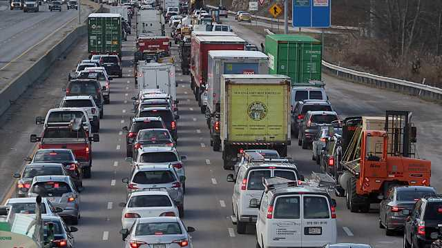 NHTSA says U.S. highway traffic deaths rose in 2020 due to risky driving