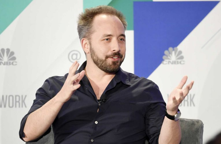 Dropbox slips to a loss after taking $400 million real estate hit due to remote work