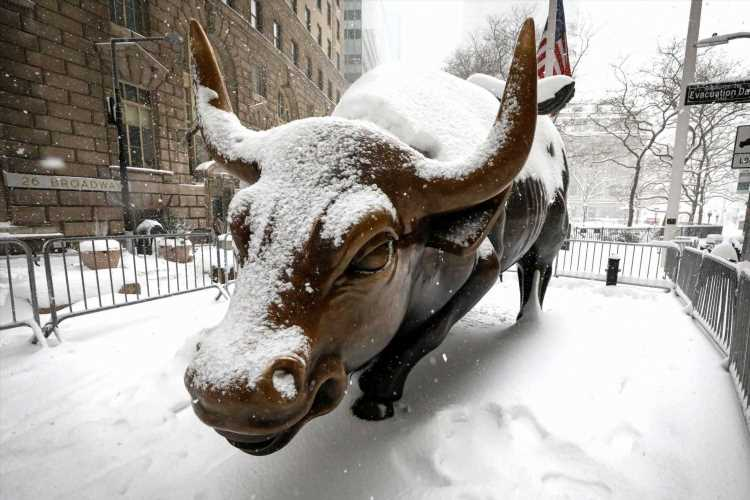 Stocks buck seasonal weakness to start February. Here's what two strategists expect