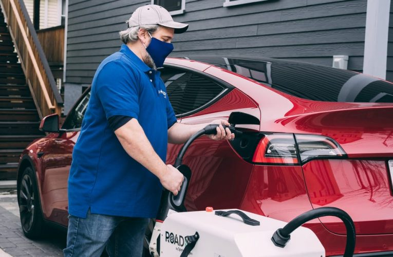Tech startup SparkCharge to roll out an on-demand EV charging service