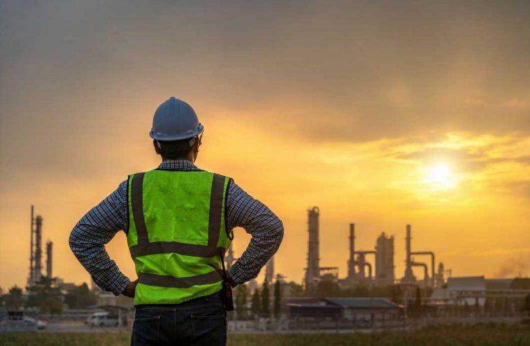 Energy ETFs Gain as Oil Stockpiles Fall